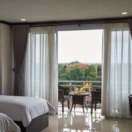 Twin room with balcony - Continental Plaza Vientiane